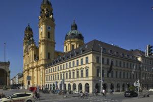 Fassadenrenovierung I Putz- und Stuckinstandsetzung Odeonsplatz München