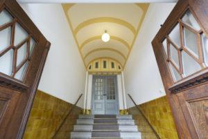 Farbgestaltung Eingang Altbau Jugendstil